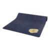"""Midnattsblå yogamatta med en fläck av """"guld""""."""
