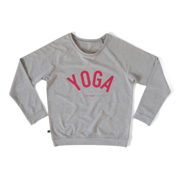 Grå sweatshirt med texten YOGA i cerise.
